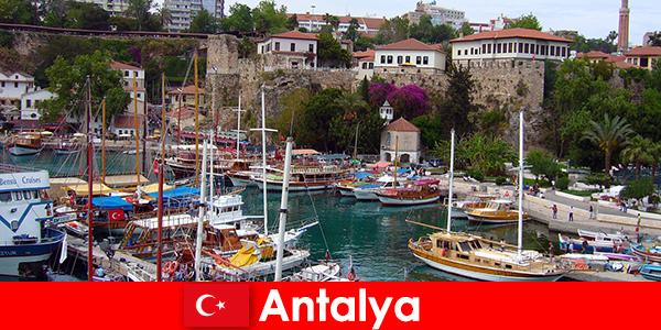 지중해 연안의 터키 안탈리아 리조트