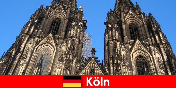쾰른 시로 여행을 좋아하는 아이들과 함께 독일 가족 휴가