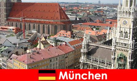 뮌헨 시에서 조깅이나 피트니스 옵션을 갖춘 휴가를 즐기는 여행자로