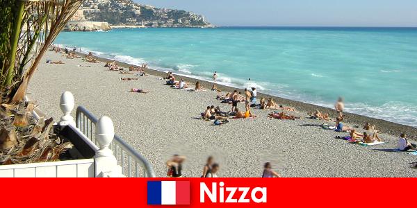 프랑스 리비에라의 멋진 아름다운 해변