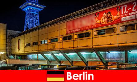 퍼프 매춘부와 고귀한 에스코트 모델과 베를린 의 밤 문화를 경험