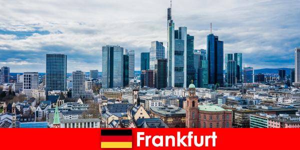 고층 건물의 대도시인 프랑크푸르트의 관광 명소