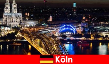 음악, 문화, 스포츠, 모든 연령대에 대한 독일의 쾰른 파티 도시