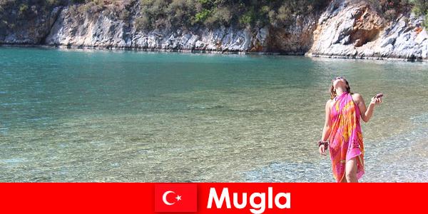 터키에서 가장 작은 수도 중 하나인 무글라의 해변 휴가