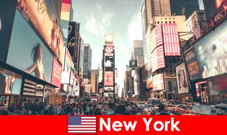 뉴욕에서 쇼핑하는 것은 수백만 명의 여행객에게 필수입니다.