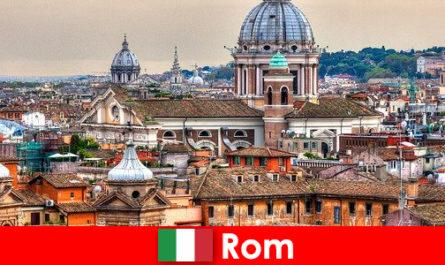 많은 교회와 예배당이 있는 로마 코스모폴리탄 도시