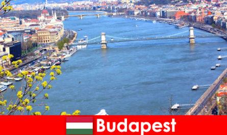 헝가리 부다페스트에서 목욕과 웰빙 휴가를위한 인기있는 여행 팁