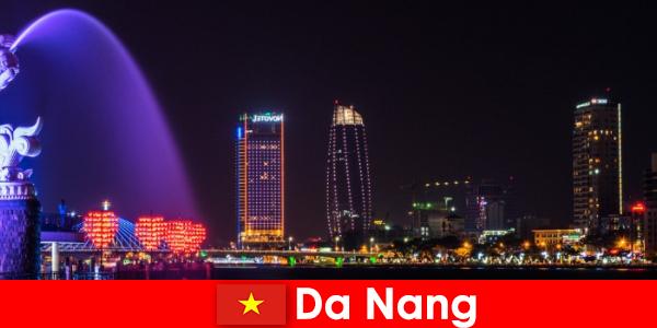 다낭은 베트남 이민자들을 위한 당당한 도시입니다.