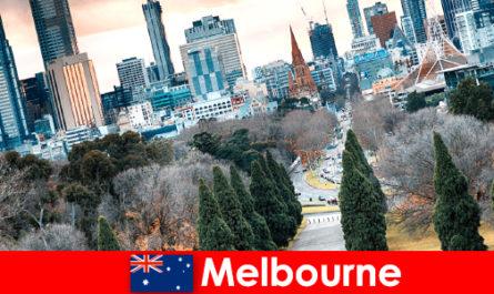 멜버른의 문화적 다양성은 짧은 휴식을 즐기도 합니다.