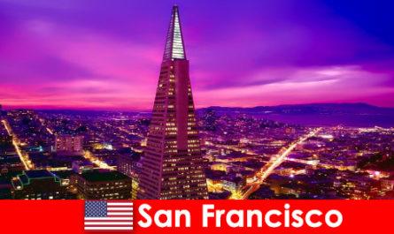 샌프란시스코는 이민자들을 위한 활기찬 문화 및 경제 중심지입니다.