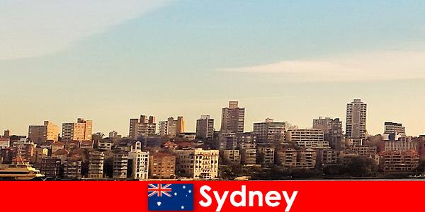 시드니는 외국인 들 사이에서 세계에서 가장 다문화 도시 중 하나로 알려져 있습니다