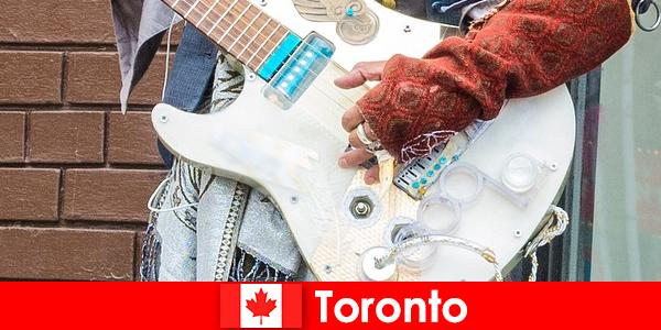 낯선 사람은 모든 문화의 음악 현장에 대한 국제주의에 대한 토론토를 사랑
