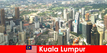 말레이시아 아시아의 쿠알라룸푸르 애호가들이 이곳을 몇 번이고 방문합니다.