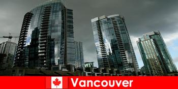 캐나다 밴쿠버는 항상 낯선 사람들을위한 인상적인 건물의 목적지입니다.