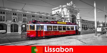 포르투갈 관광객 리스본 대서양에 흰색 도시로 당신을 알고