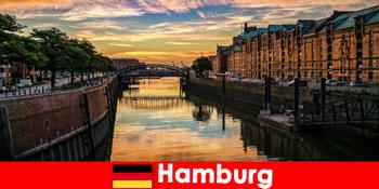 함부르크 독일에서 짧은 휴식을위한 건축 아름다움과 엔터테인먼트