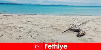 터키 리비에라 페티예에서 스트레스를 받은 관광객을 위한 레크리에이션 여행