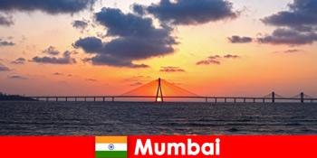 뭄바이 인도의 현대성과 전통에 대한 열정을 가지고 있는 아시아 여행자