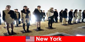 뉴욕의 유명한 극장 지구로 낯선 사람들을위한 문화 여행