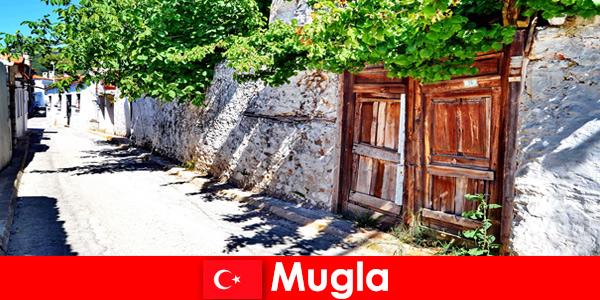 그림 같은 마을과 친절한 지역 주민들이 무글라 터키 관광객을 환영합니다.