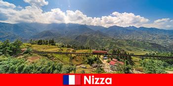 니스 프랑스의 내륙의 마을과 산을 통해 기차로