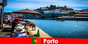 포르투 포르투갈 항구의 훌륭한 생선 레스토랑으로 잠시 휴식을 취하는 목적지