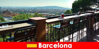 바, 레스토랑, 예술 현장과 바르셀로나 스페인 방문자를위한 순수한 큰 도시 감각