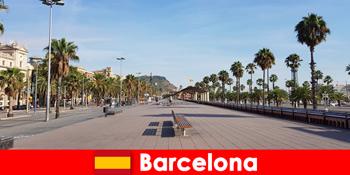 바르셀로나 스페인에서, 관광객은 자신의 마음이 원하는 모든 것을 찾을 수 있습니다