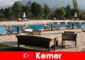 가족과 함께 여름 휴가를 위한 저렴한 항공편, 호텔 및 케메르 터키 행 렌탈