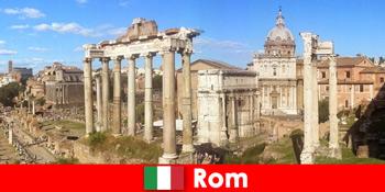 로마 이탈리아의 고대 발굴 및 유적지에 유럽 손님을위한 버스 투어